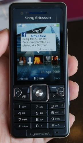 Sony Ericsson C510 with Facebook updates