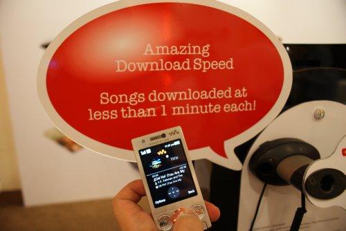 Sony Ericsson PlayNow service on the W705