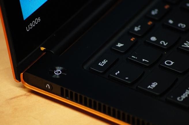 Lenovo attacks consumer market with swanky IdeaPad U300s