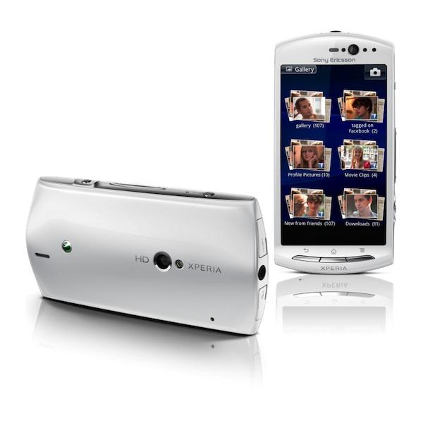 Xperia Neo V White Xperia Neo_V_GroupImag...