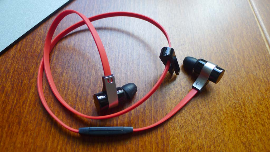 goondu review novero rockaway bluetooth earphones. Black Bedroom Furniture Sets. Home Design Ideas