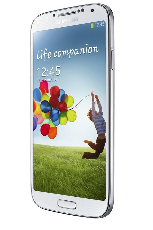 """Gartner: more smartphones sold now than """"feature"""" phones"""