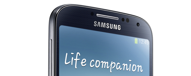 Samsung keeps formula with Galaxy S4, adds software tweaks