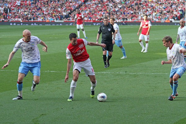Robin_Van_Persie_vs_Aston_Villa