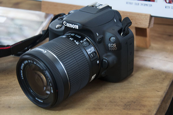Hands-on: Canon goes small with the 100D