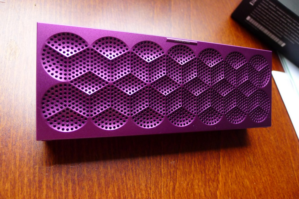 Hands on: Jawbone Mini Jambox sounds surprisingly good