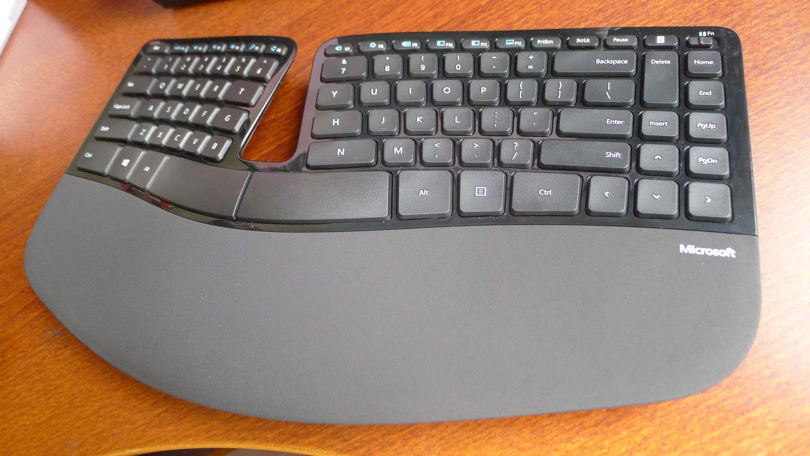 Hands On Microsoft Sculpt Ergonomic Desktop Techgoondu