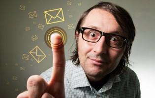 Microsoft, Google dominate nascent cloud e-mail market