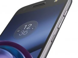 With smart add-ons, Moto Z shines as an attractive flagship alternative