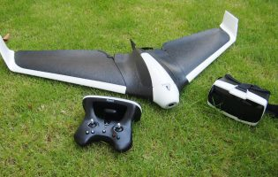Parrot drones promise first-person experience through virtual reality headset