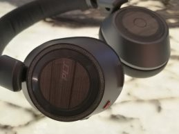 Hands on: Plantronics Backbeat Pro 2