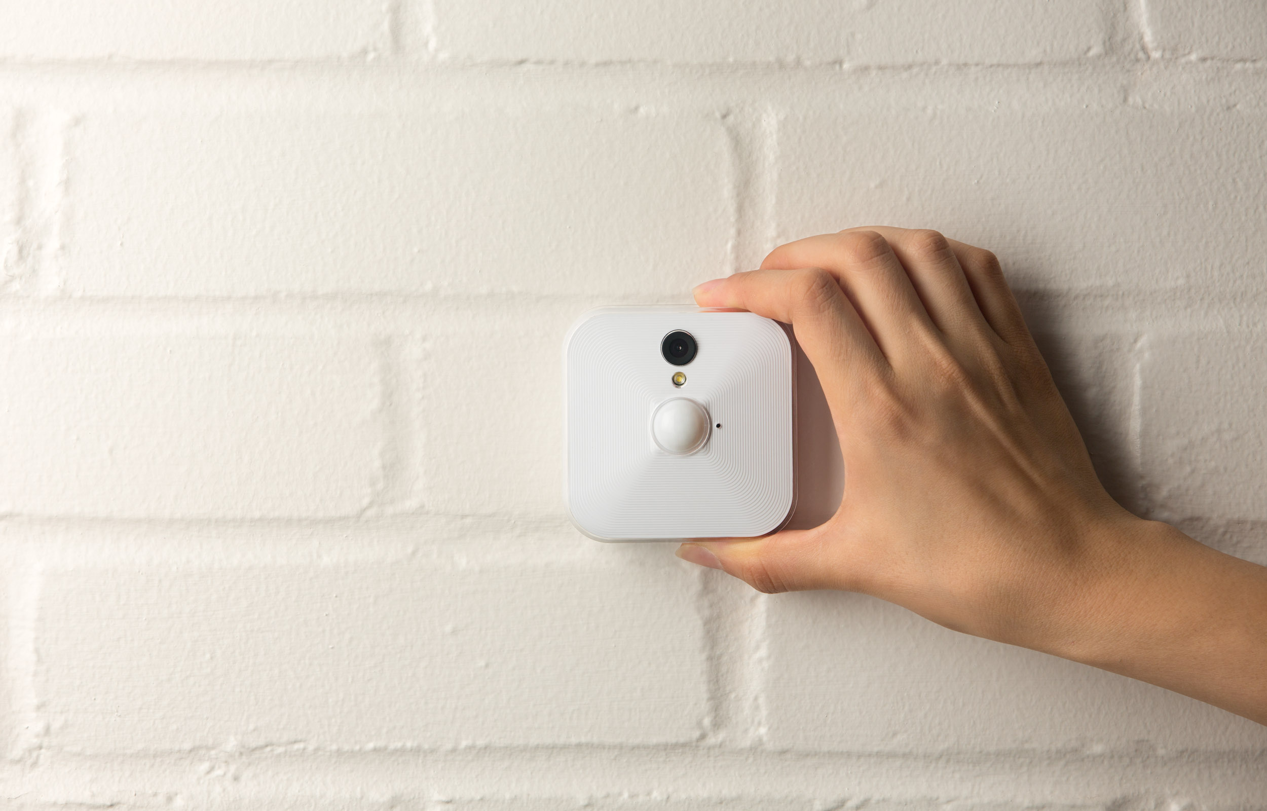Aztech S Blink Camera Lets You Monitor Your Home Or Office