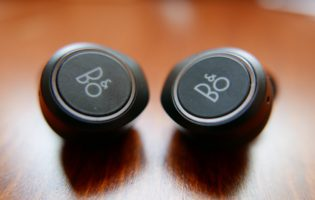 Goondu review: B&O Beoplay E8 sets the standard for fully wireless earphones