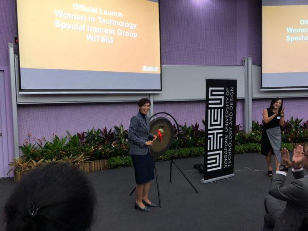 WOMEN IN SINGAPORE
