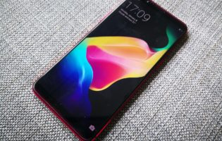 Goondu Review: Oppo R11s