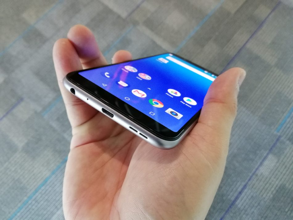 Hands On Asus Zenfone Max Pro M1 Promises To Last The