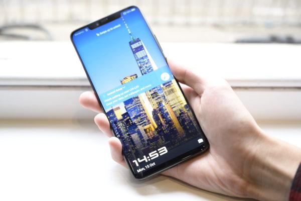 Does the lack of a monochrome sensor make the Huawei Mate 20 Pro a