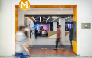 """After ownership change and overhaul, M1 brings out """"fully flexible"""" mobile plans"""